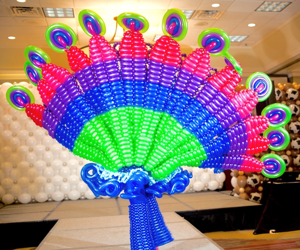 balloon peacock